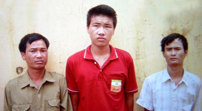 Em gái thiểu năng đi bắt ốc bị ba thanh niên hãm hại