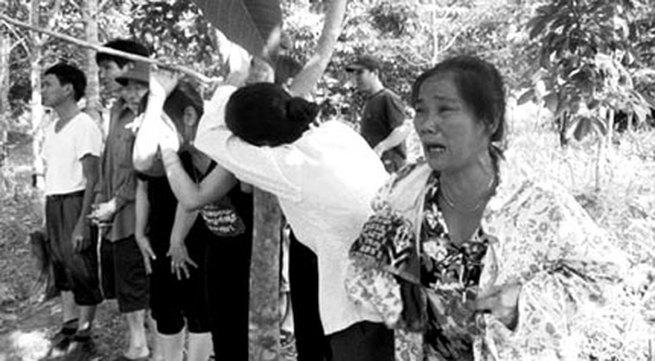 Vụ trôi xe, 5 người mất tích tại Nghĩa Đàn, Nghệ An: Tiếng khóc xé lòng giữa trời lũ
