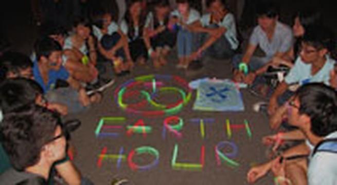 Giới trẻ Hà Thành không ngại tắt đèn hưởng ứng giờ trái đất