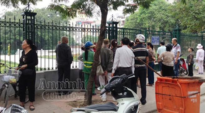 Văn Miếu: Phát hiện một phụ nữ chết nổi tại hồ Văn