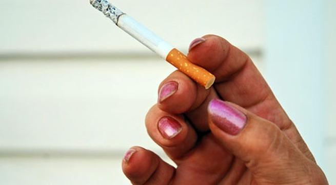Ly dị vợ vì một điếu thuốc lá