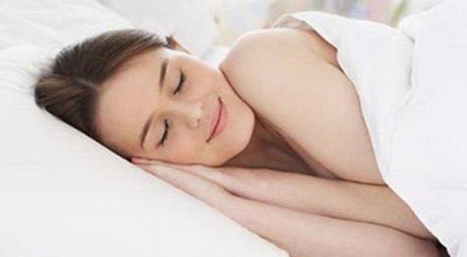 """Ngủ """"nuy"""" và lợi ích bất ngờ đối với phụ nữ"""