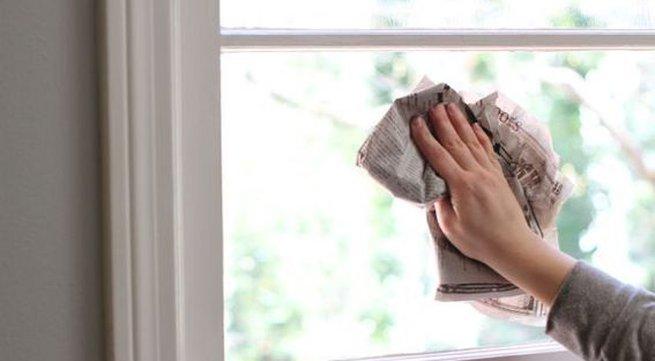 Vài cách đơn giản giúp lau sạch cửa kính