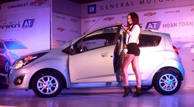 Chevrolet Spark số tự động giá 377 triệu tại Việt Nam