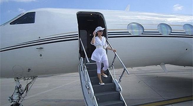 Cuộc sống giàu có của em gái Cẩm Ly, người Việt giàu nhất thế giới