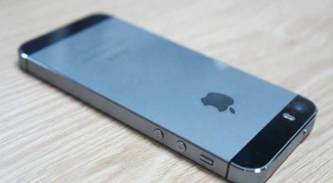 Ồ ạt bán iPhone cũ để lên đời 5S