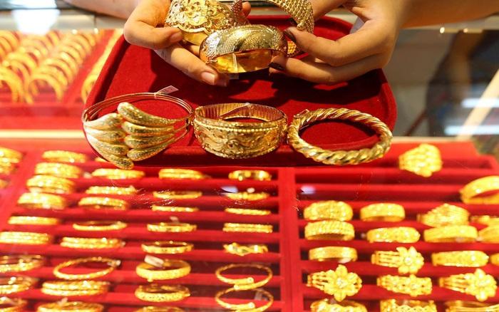 Giá vàng hôm nay 25/2: Rớt giá thê thảm - giá vàng 9999 hôm nay 1011