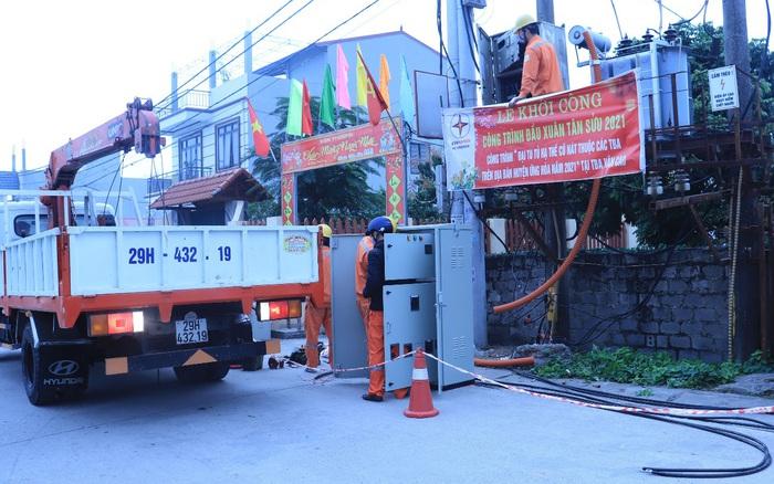 EVNHANOI triển khai thi công các công trình cải tạo nâng cấp lưới điện và đảm bảo điện mùa khô - quE1BAA3ng20cC3A1o20pqa20lE1BBABa20C491E1BAA3o