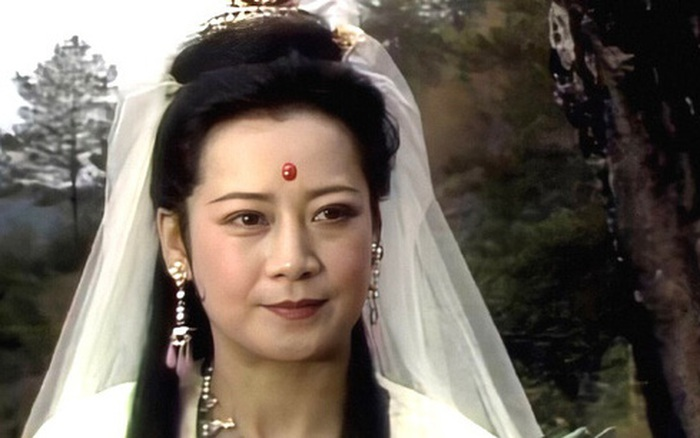 """Cuộc sống ở tuổi U80 của Quan Âm Bồ Tát và chuyện ly kỳ khi được người dân bái lạy vì tưởng """"Phật sống"""" - mega 655"""