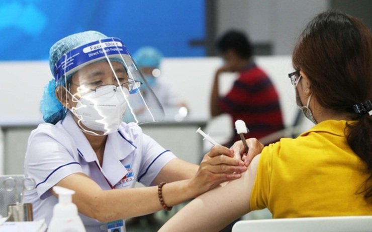 Độ bao phủ vaccine là một trong 3 tiêu chí đánh giá cấp độ dịch COVID-19 theo hướng dẫn tạm thời của Bộ Y tế